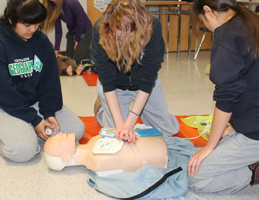 CPR & AED on manniken
